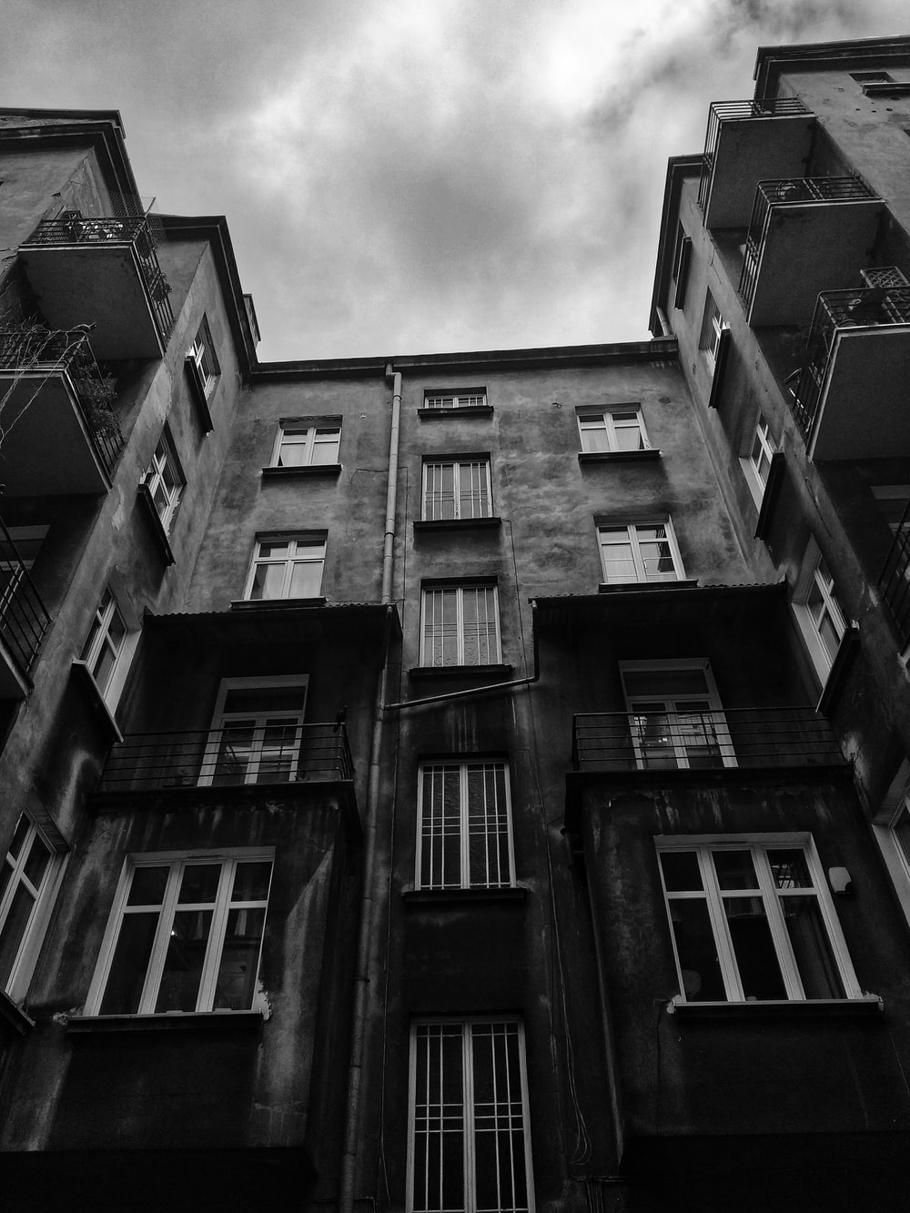 greyscale photo of building