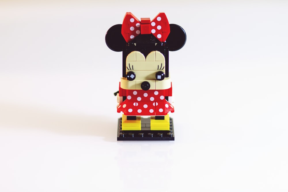 Minnie Mouse minifig