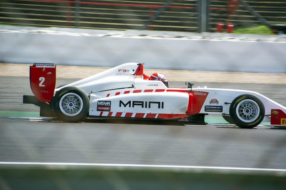 Maini f1 racer