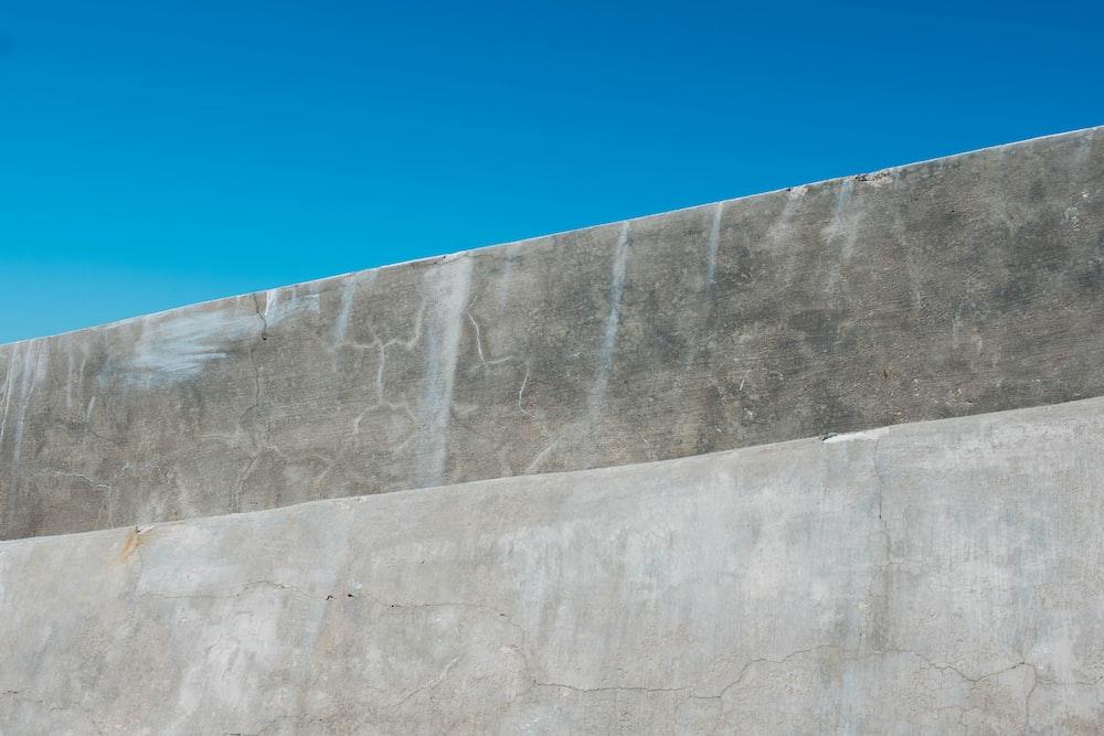 gray concrete beam