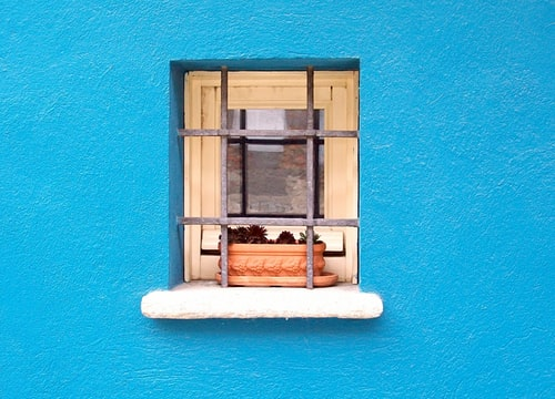 Window photo by Mirna Rivalta on Unsplash