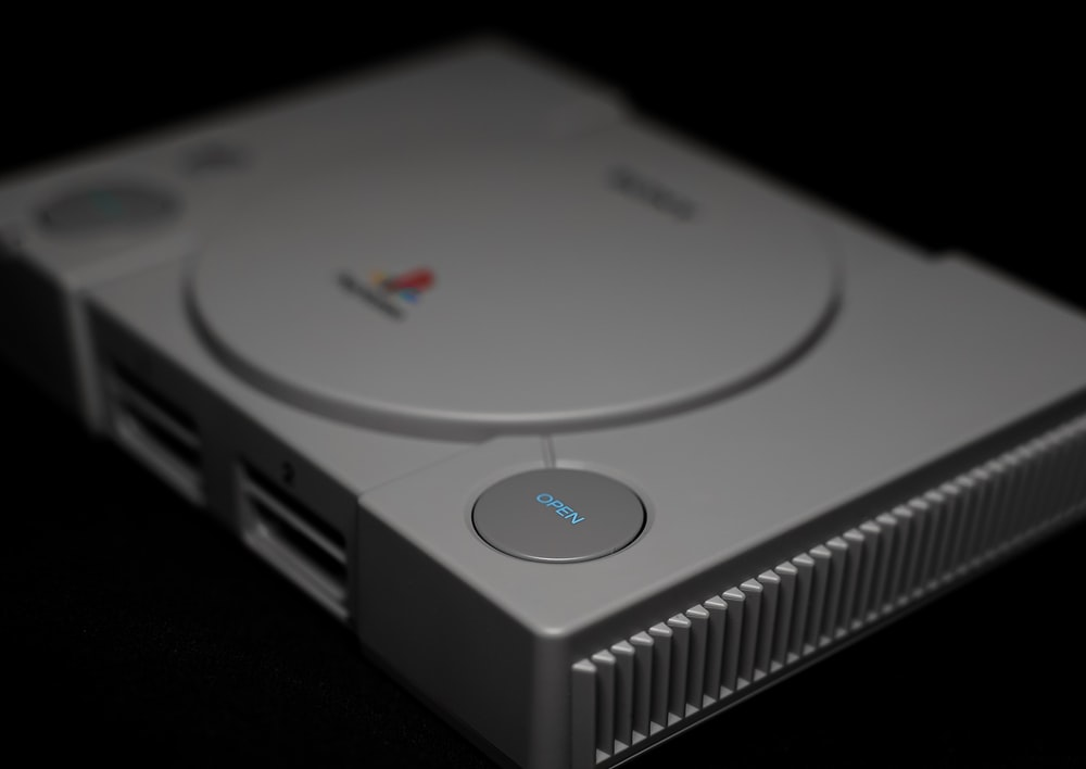 grey Sony PS1 console