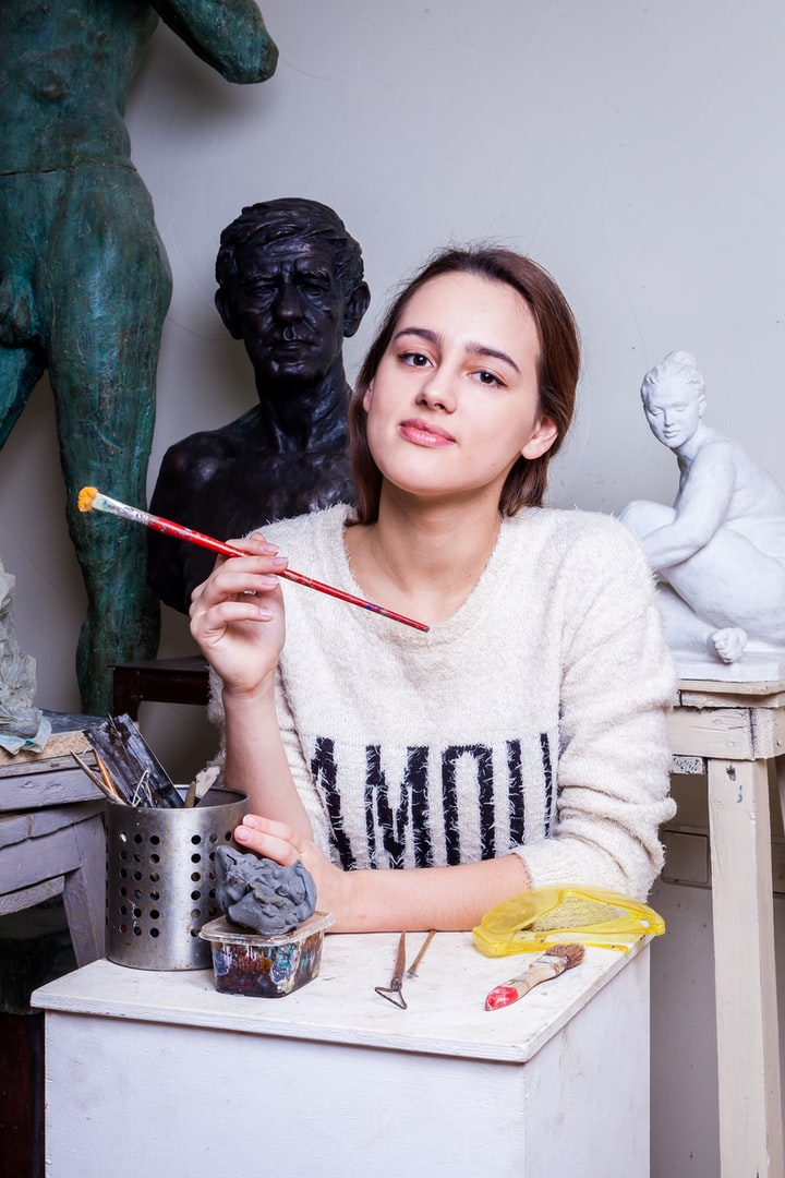 8 Ways to Express Your Artistic Side Through Fashion