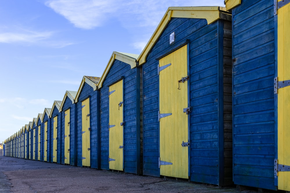 blue and brown enclosure houses