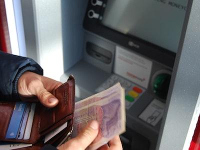 """Timori per la sicurezza agli sportelli: """"Assalto alle banche per avere i prestiti"""""""