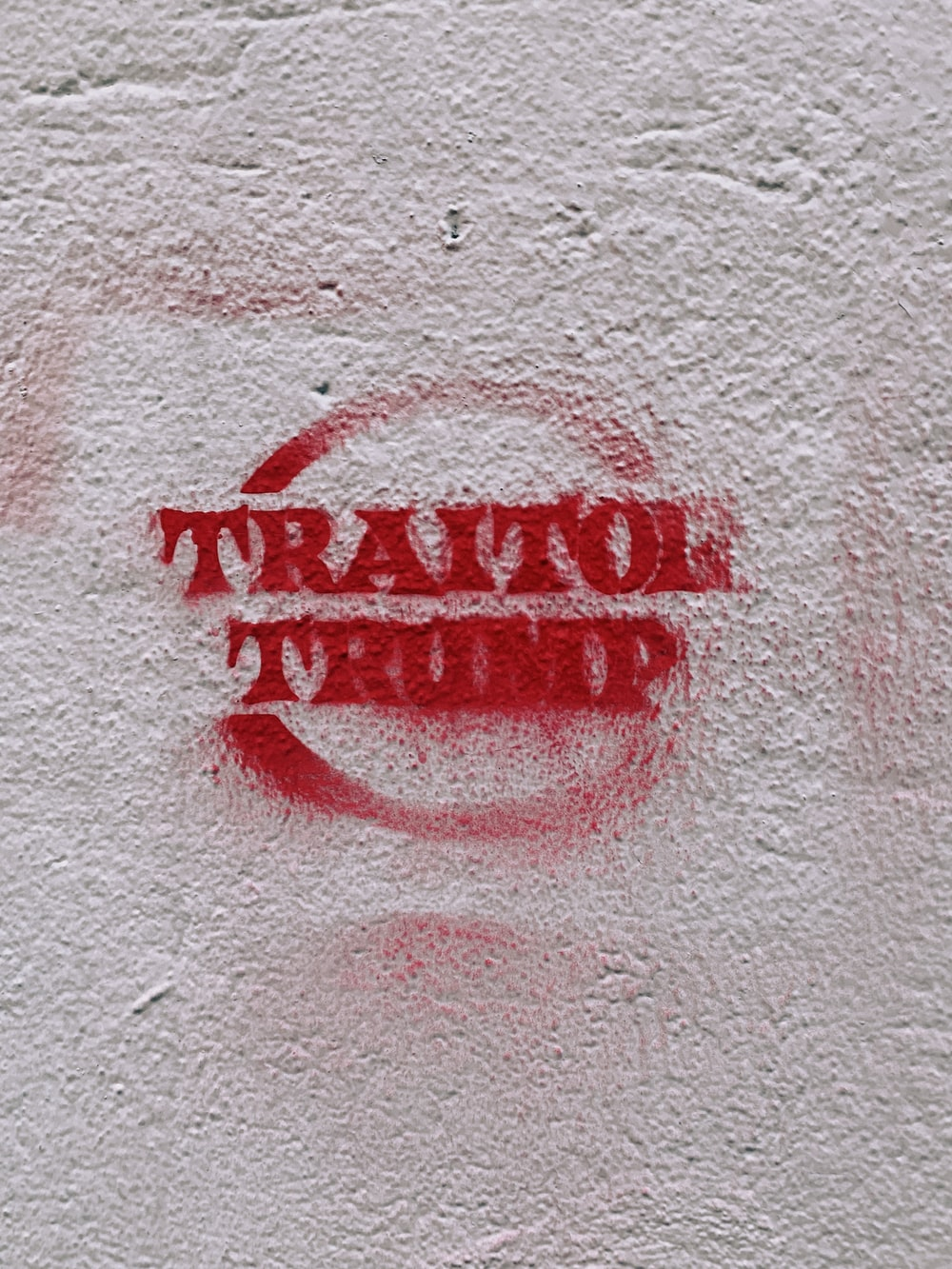 red Traitol Trump paint