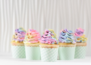 five cupcake