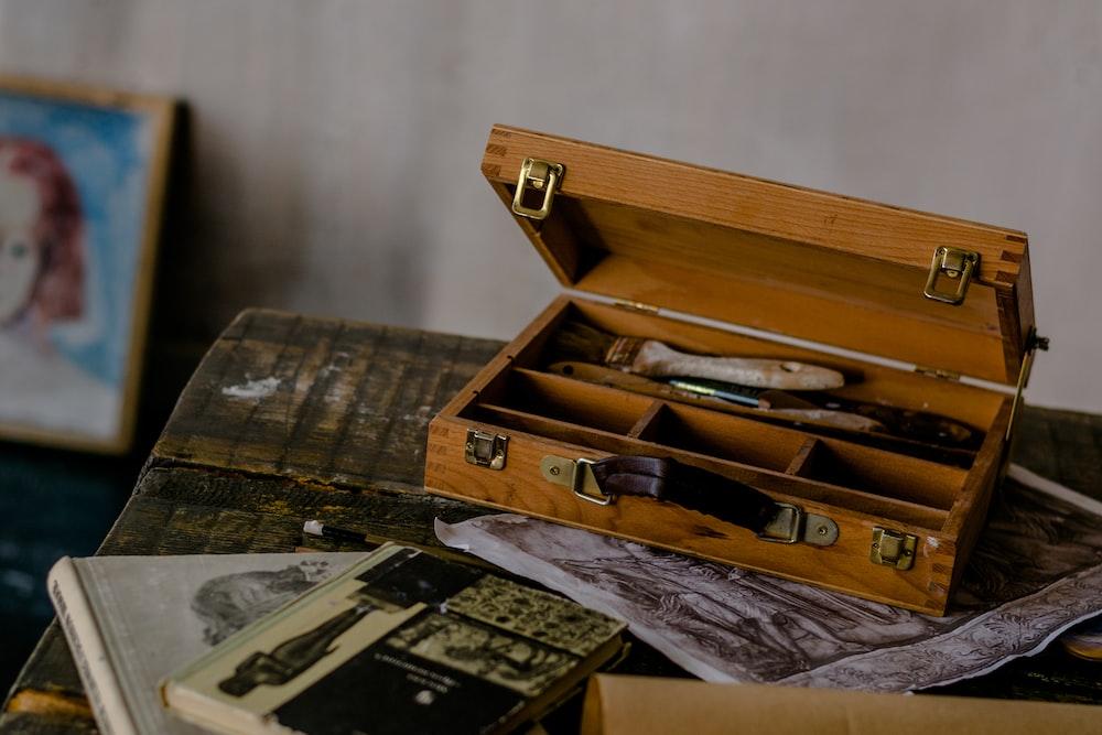 painbrush in box
