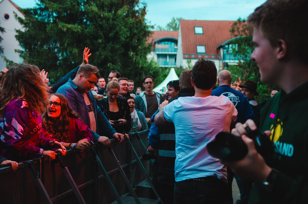 Fans love meeting their idols in free concerts