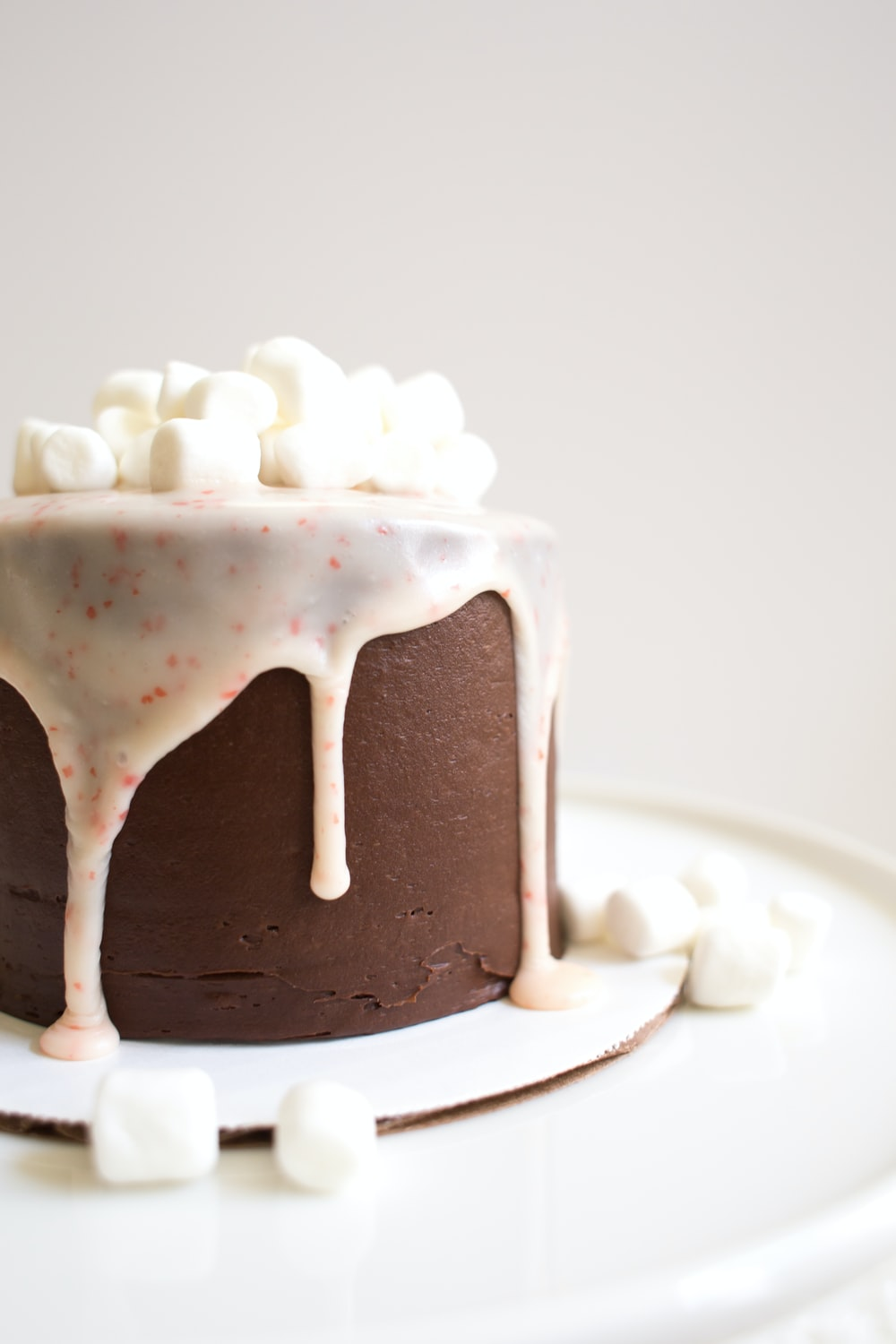 white icing-covered cake