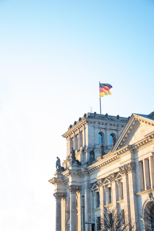 Merkel und ihr Schattenmann | NZZ
