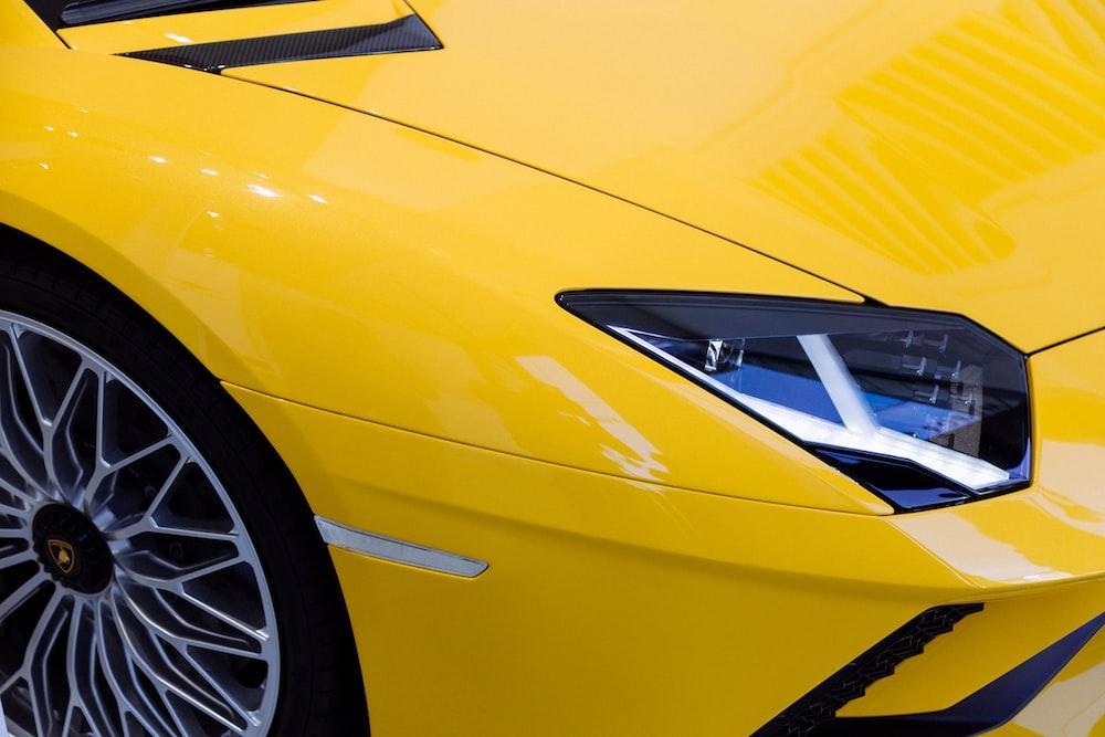yellow Lamborhini Aventador