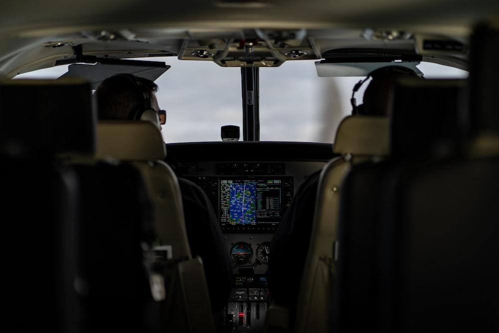 airplane pilot cabin