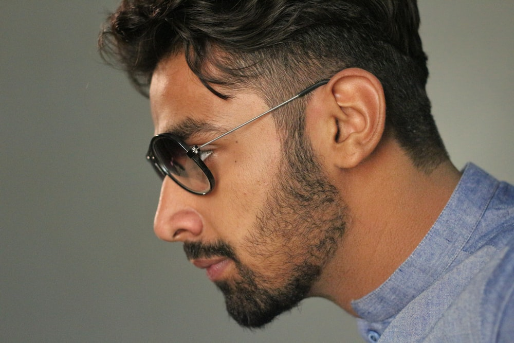 men's black-framed sunglasses