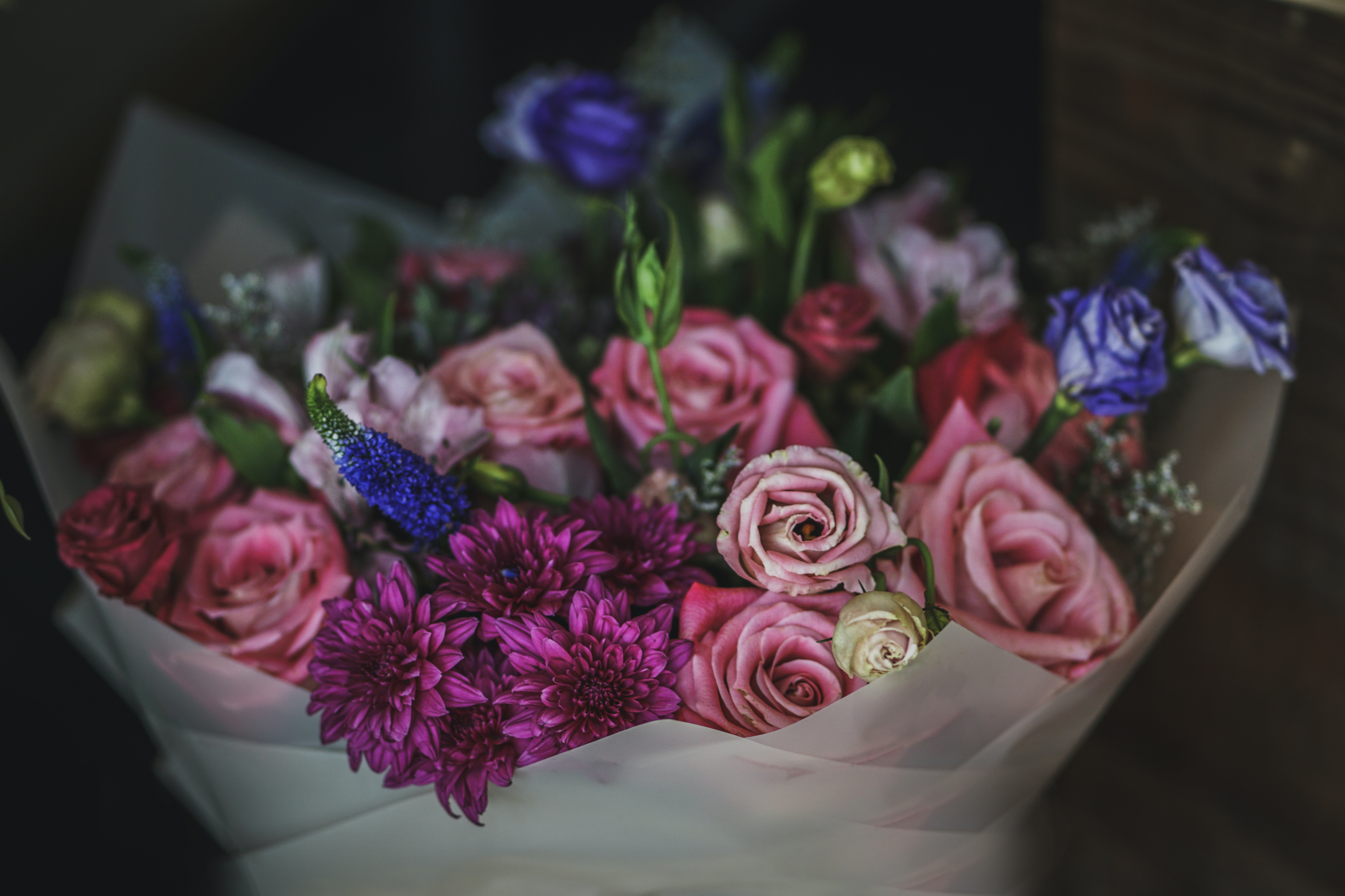 pink and blue rose bouquet