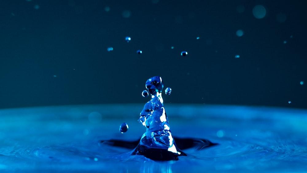long exposure photography of water drop