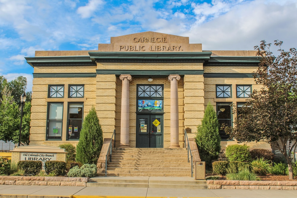 Carnegie Public Library building during daytime