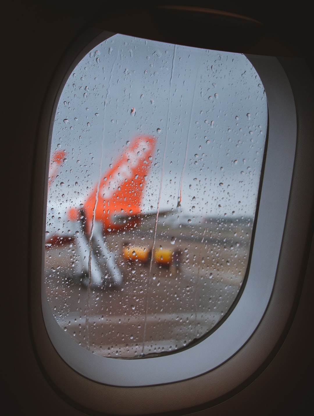 An other rainy day in England force my plane to stay stuck a the airport