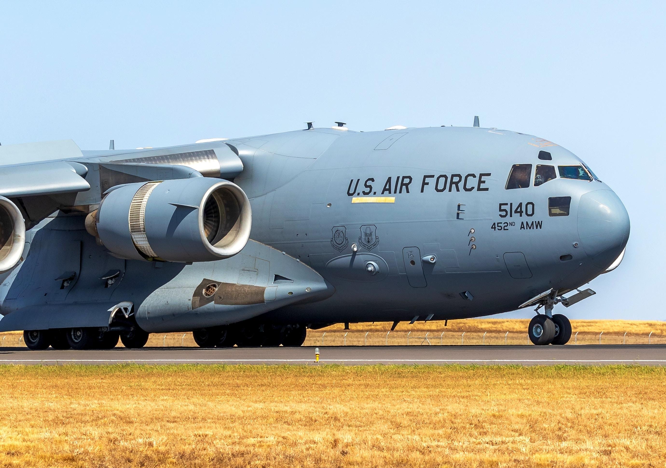 grey US Air Force plane