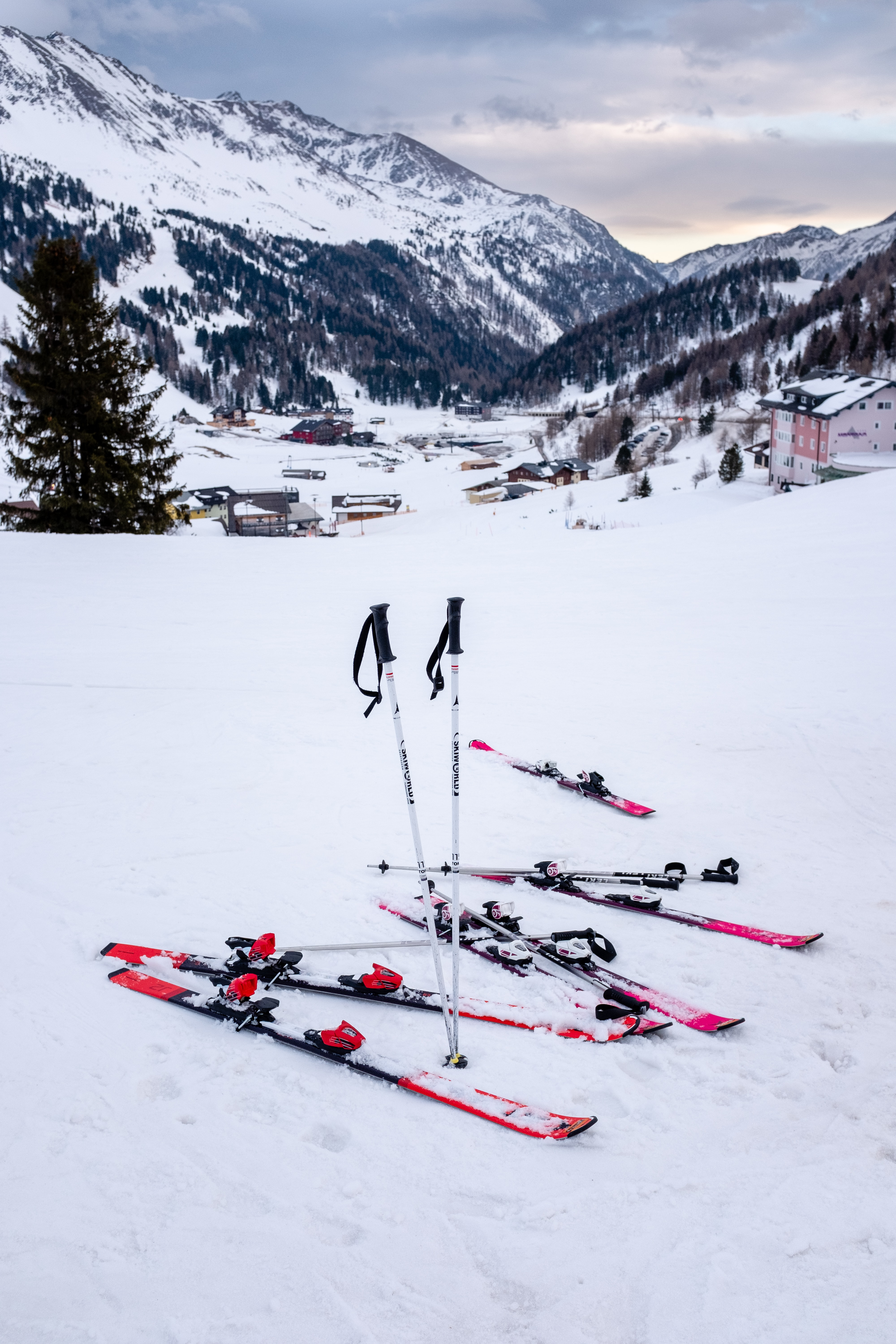 snow skis on snow