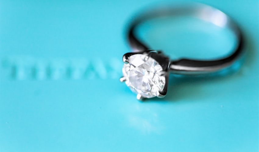 anello solitario Tiffany