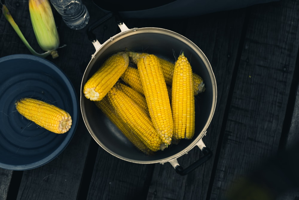 corns inside cooking pot