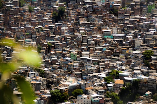 """Jovem de favela do Rio glorifica a Deus em formatura nos EUA: """"Tome seu lugar Jesus"""""""