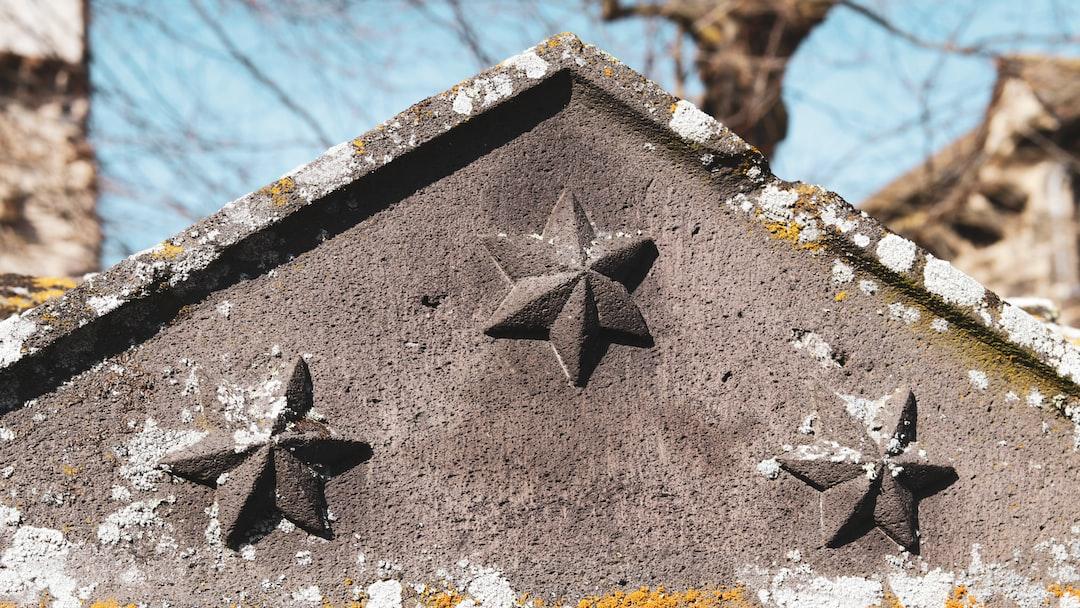 three sculpted stars