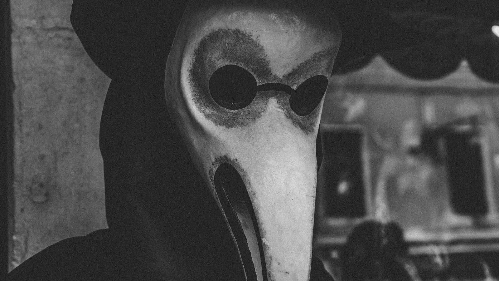 Plague doctor picture. The begining of the end of herbal medicine
