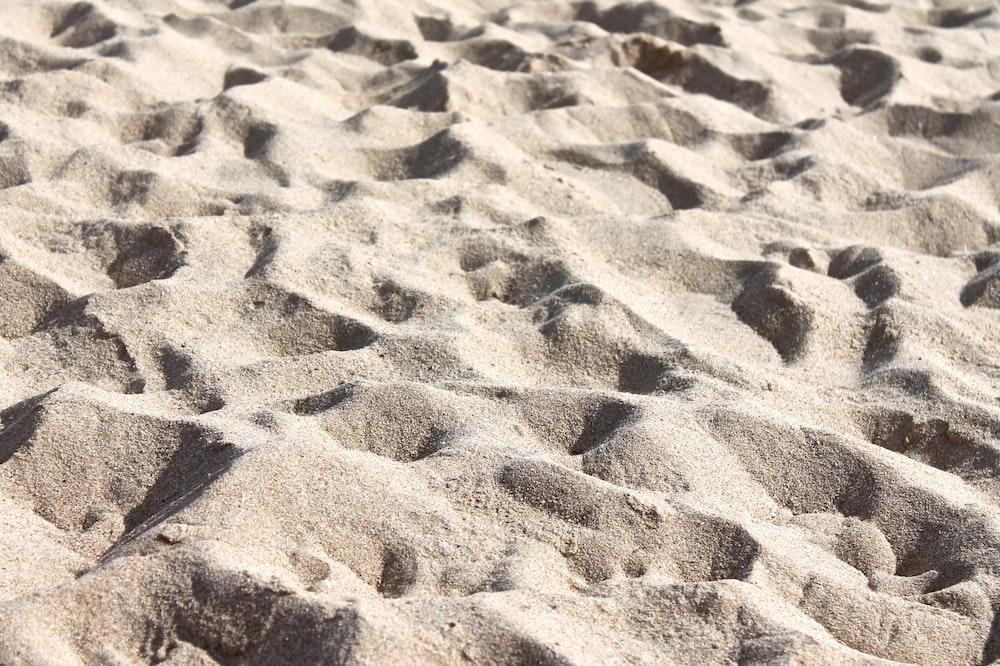 gray sands