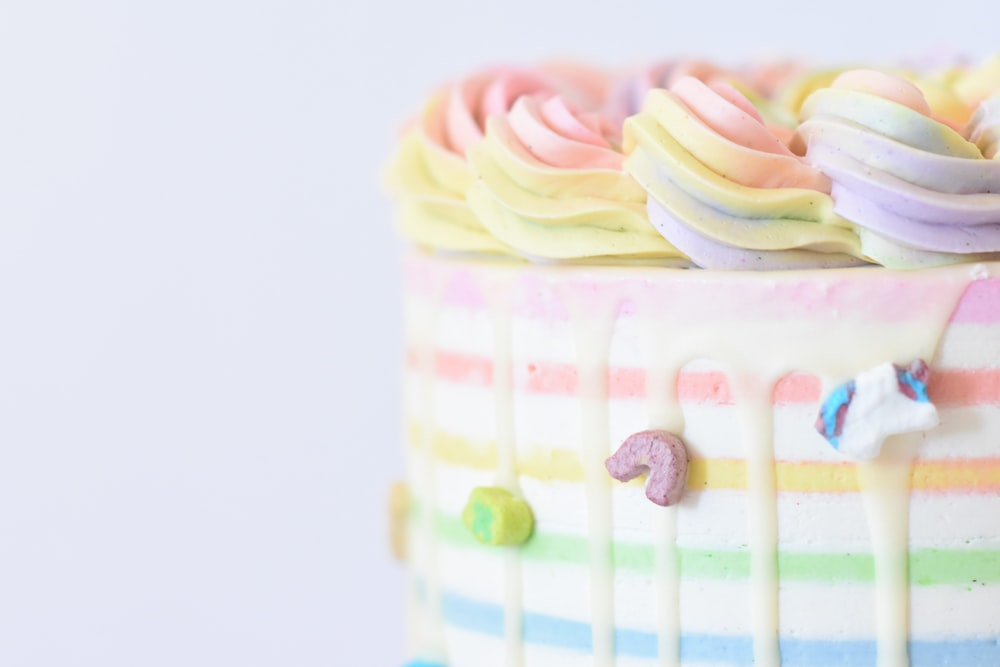 shallow focus photo of cake