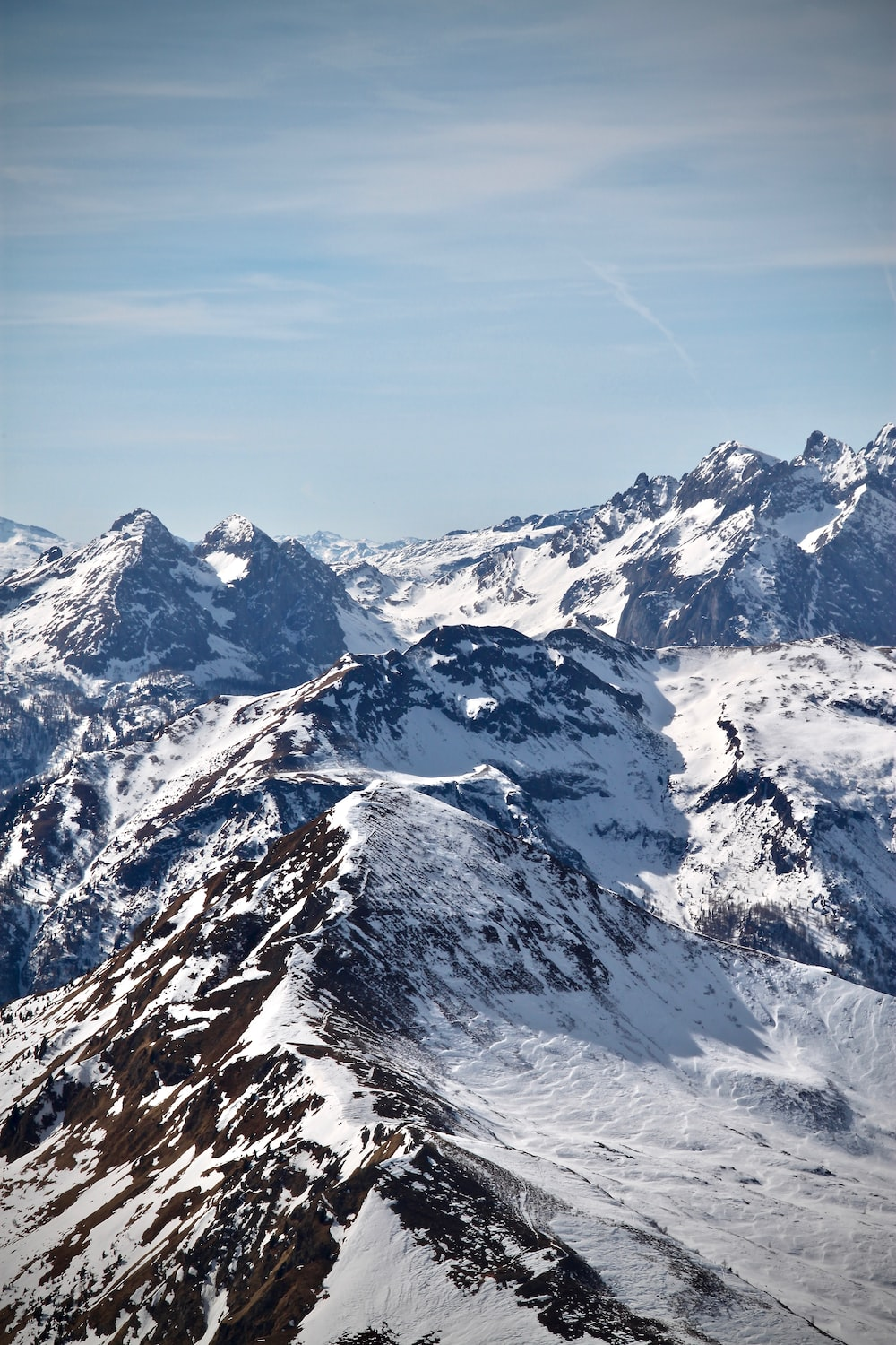 mountain ranges with snow
