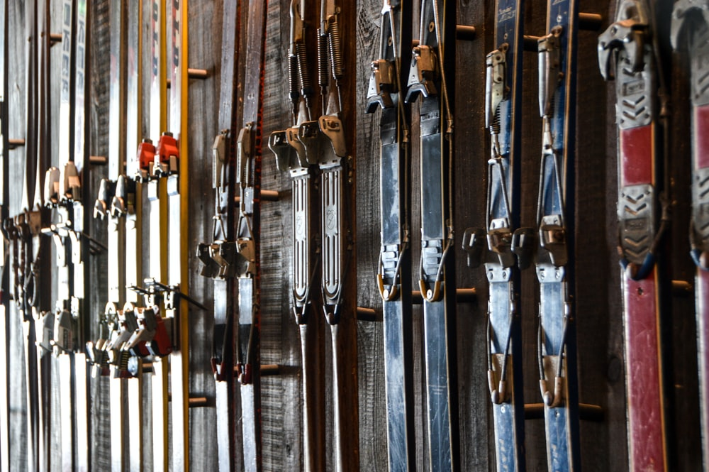assorted-color pair of ski blades lot