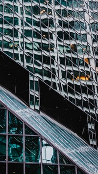Walking in New York City a few weeks back, I found the sheer amount of lines, colors and reflections super interesting and just had to shoot it. Hope you like it too.