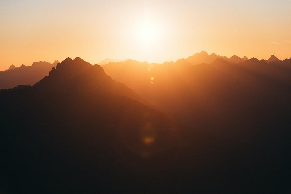 silhoutte of mountain