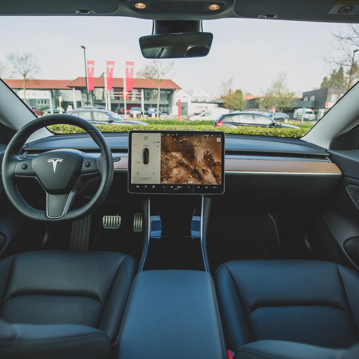 Suscripción a la conducción autónoma total de Tesla