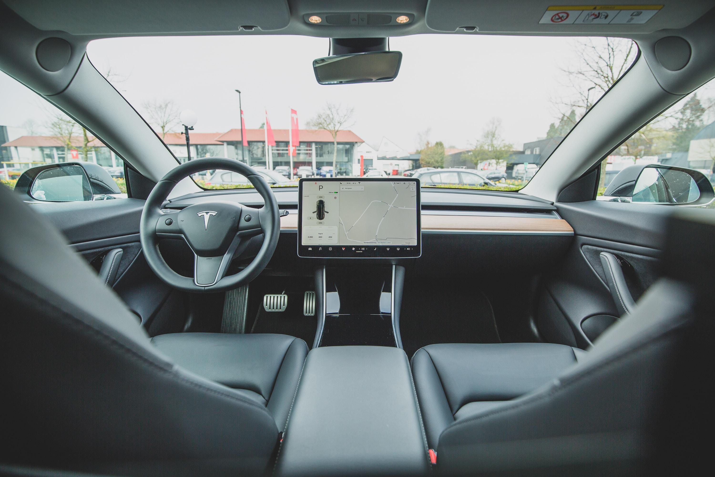 turned on car GPS navigator on Tesla car