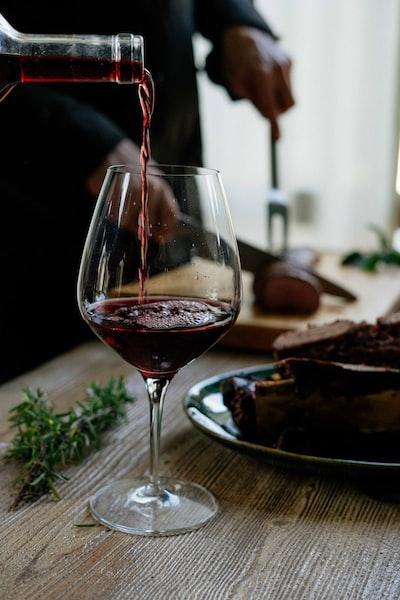4649. Bor,szőlő, borászatok