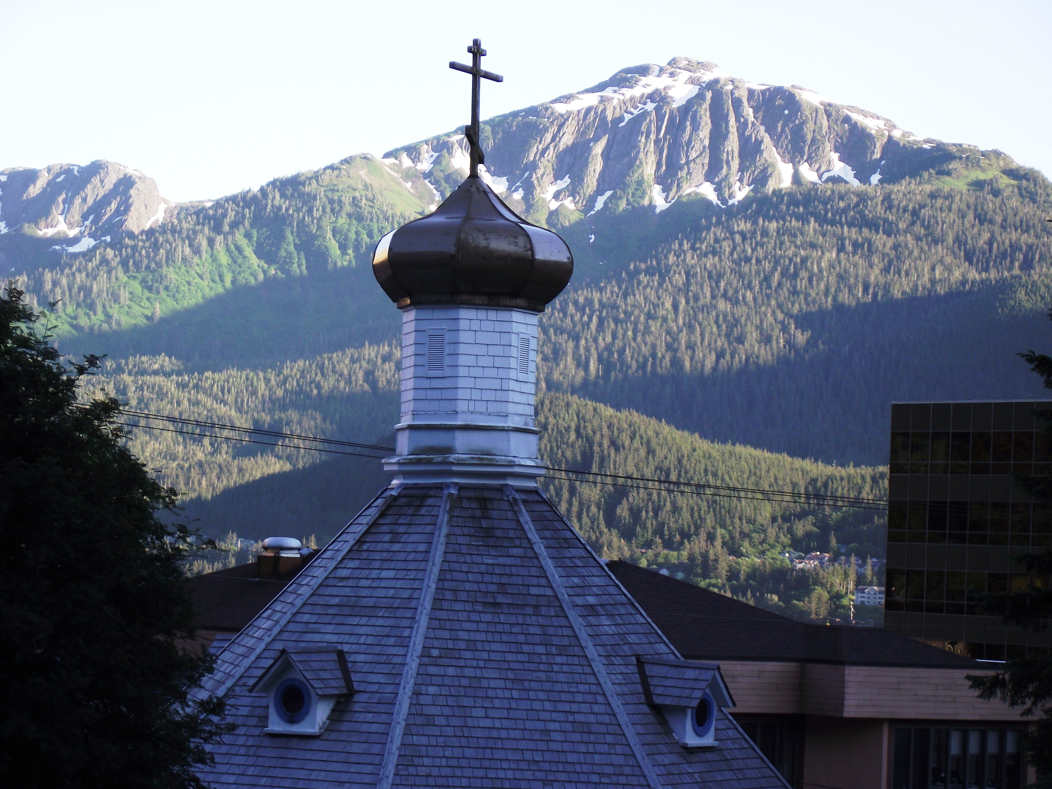 gray concrete church roof at daytime