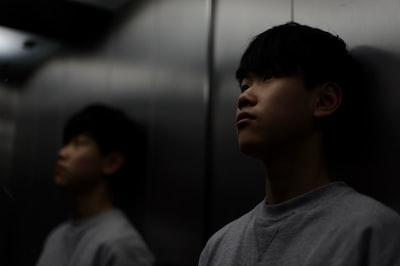 視線のエレベーター現象とは
