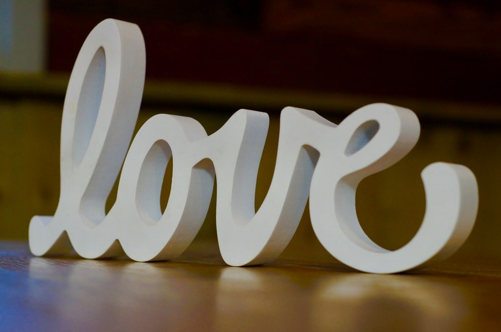 love freestanding marque