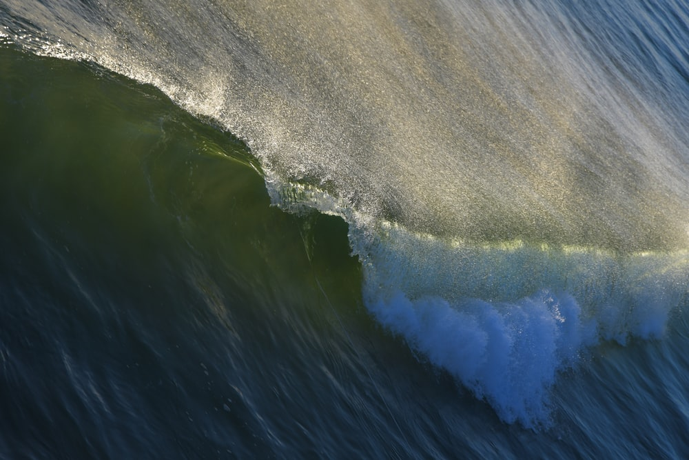 sea waves during daytime close-up photography