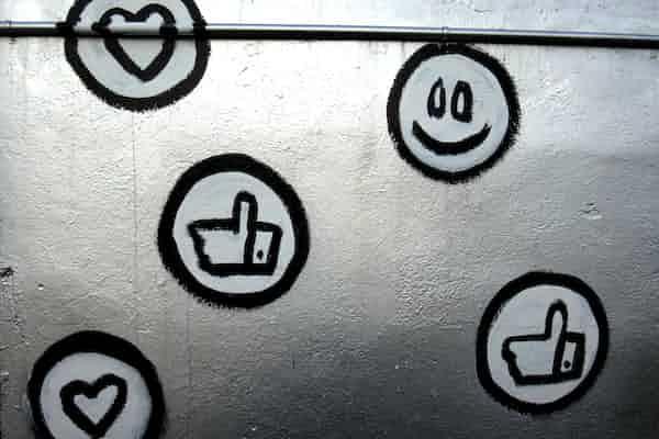 """עיצוב התודעה: הנדסת ההתנהגות והתחושות שלנו בעידן הדיגיטל   ד""""ר לירז מרגלית"""