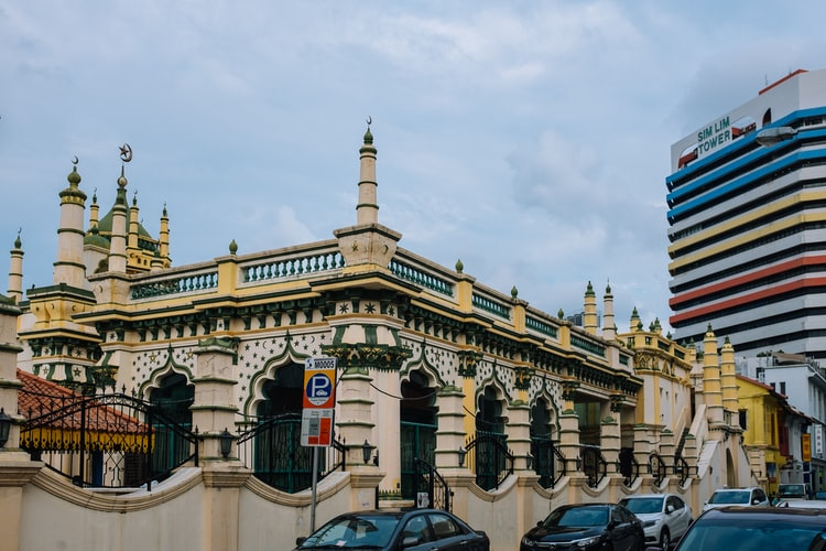 Little India, mosque, yellow, abdul gafoor mosque, islam, prayer, sights, culture, tradition, singapore, discover singapore, explore singapore