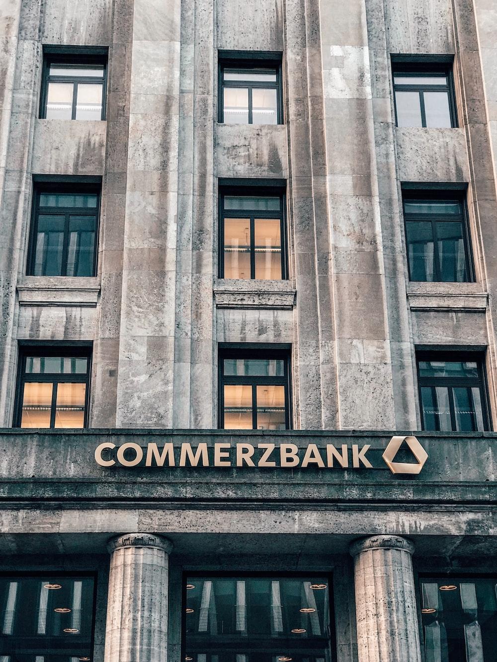 Commerxbank establishment