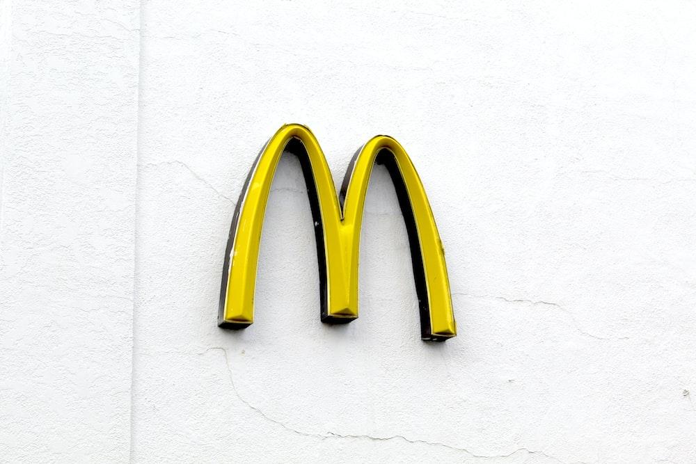 yellow McDonald logo
