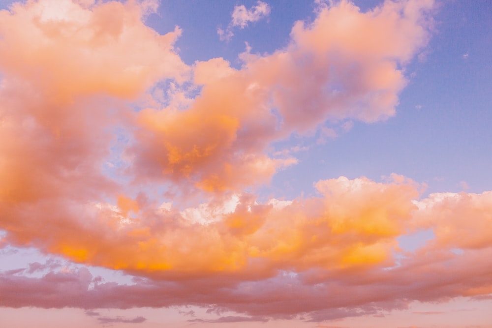 white cirrus clouds