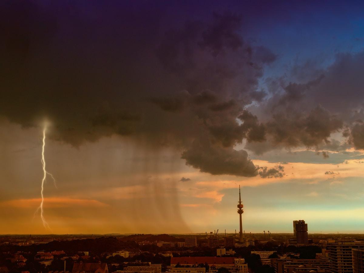 lightning thunder at daytime