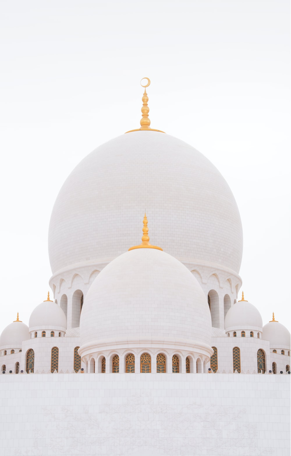 white mosque during daytime