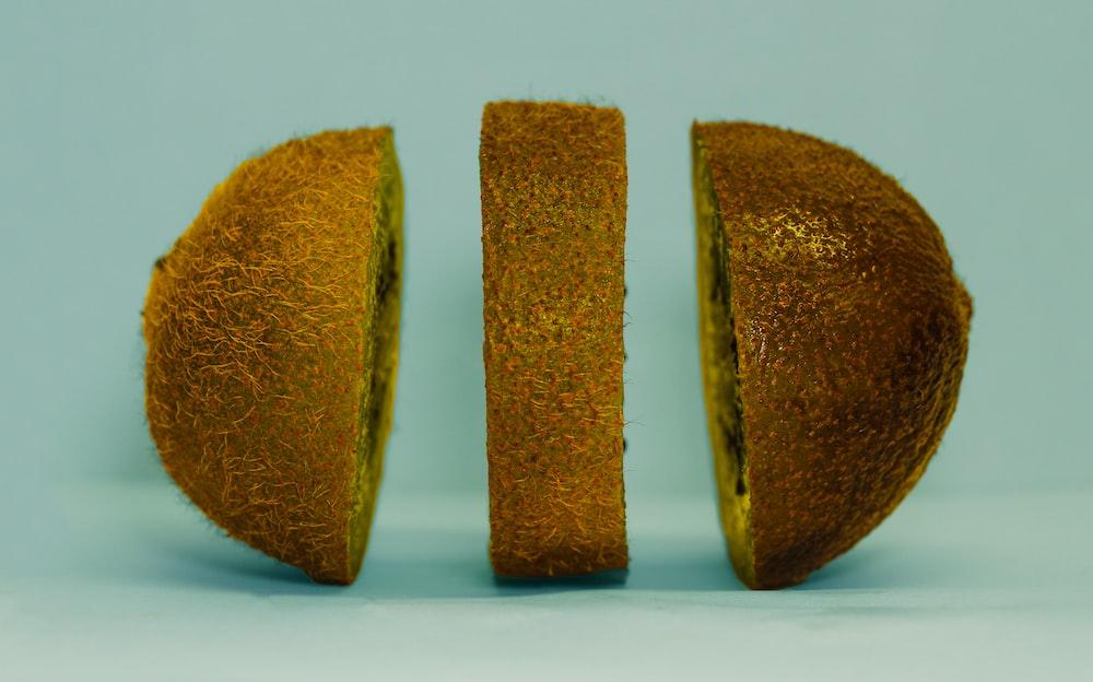 photography of sliced kiwi